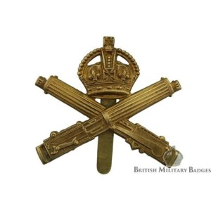 The Great War cap badge of the British Machine Gun Corps, showing the Crown over crossed Vickers Guns. Image courtesy of the website British Military Badges U.K.